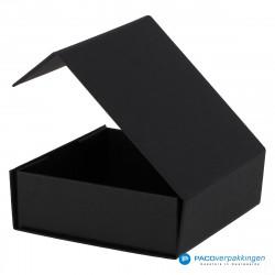 Magneetdoos - Zwart Mat (Toscana) - Zijaanzicht achter open