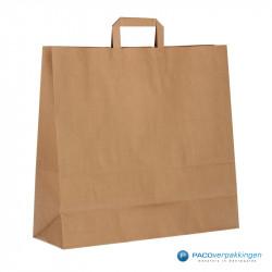 Papieren draagtassen - Bruin Kraft - Platte handgreep - Zijaanzicht achter