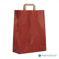 Papieren draagtassen - Rood Kraft - Platte handgreep - Zijaanzicht achter