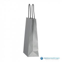 Papieren draagtassen - Zilver - Gedraaide handgreep - Zijaanzicht