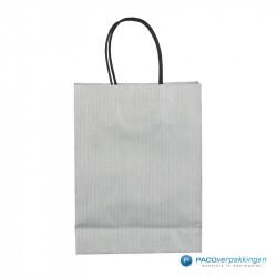 Papieren draagtassen - Zilver - Gedraaide handgreep - Achteraanzicht