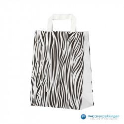 Papieren draagtassen - Zebra Dessin - Platte handgreep - Zijaanzicht voor