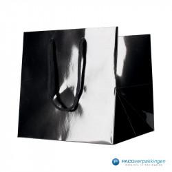 Papieren draagtassen - Zwart Glans - Luxe - Katoenen koord - Zijaanzicht voorkant