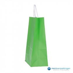 Papieren draagtassen - Groen - Gedraaide handgreep - Zijaanzicht