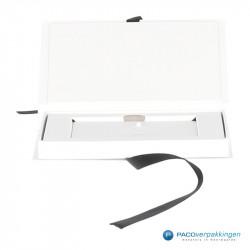 Magneetdoos Giftcard - Wit Mat (Toscana) - Inlay karton - Vooraanzicht open