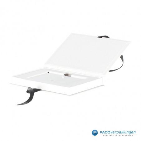 Giftcard doos - Wit Mat - Premium - Inlay karton en lintsluiting