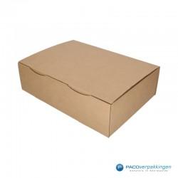Postdozen met klepsluiting - Budget - Bruin - Enkelgolf (Nr. 401253) - Zijaanzicht dicht
