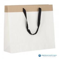 Papieren draagtassen - Wit / Kraftbruin - Recycle - Zijaanzicht achter