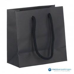 Papieren draagtassen - Zwart Mat - Luxe - Katoenen koord - Zijaanzicht achter