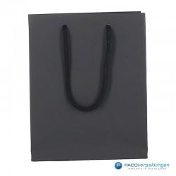 Papieren draagtassen - Zwart Mat - Luxe - Katoenen koord - Vooraanzicht