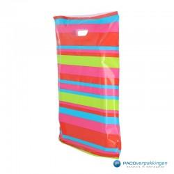 Plastic draagtassen - Streepdessin - Zijkant Achteraanzicht
