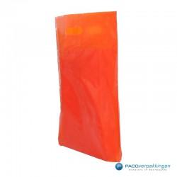 Plastic draagtassen - Oranje - Zijkant Achteraanzicht