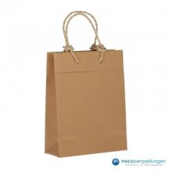 Papieren draagtassen - Bruin - Recycle - Gedraaid koord - Zijaanzicht achter