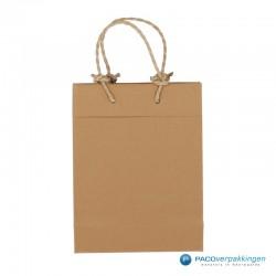 Papieren draagtassen - Bruin - Recycle - Gedraaid koord - Vooraanzicht