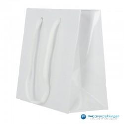 Papieren draagtassen - Wit Glans - Luxe - Katoenen koord - Zijaanzicht voor