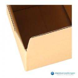 Verzenddozen A4 - Bruin - Enkelgolf - Detail