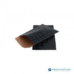 Papieren zakjes - Ruiten - Zwart en goud (Nr. 992) - Zijaanzicht