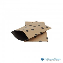 Papieren zakjes - Stippen - Zwart op bruin (Nr. 112) - Zijaanzicht