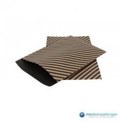Papieren zakjes - Strepen - Zwart op bruin (Nr. 110) - Zijaanzicht