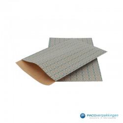 Papieren zakjes - Stippen en vierkanten - Blauw op bruin (Nr. 113) - Zijaanzicht