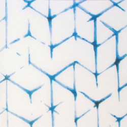 Zijdepapier - Shibori - Blauw op wit - Zijaanzicht voor