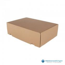 Postdozen met klepsluiting A4+ - Duo - Bruin Kraft en Wit Kraft - Luxe - Zijaanzicht dicht bruin
