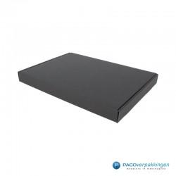 Brievenbusdozen - A4 - Zwart mat - Zijaanzicht