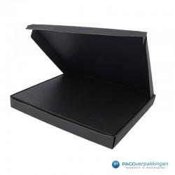 Brievenbusdoos en magneetdoos - Maximaal formaat - Zwart mat - Premium - Toepassingsfoto