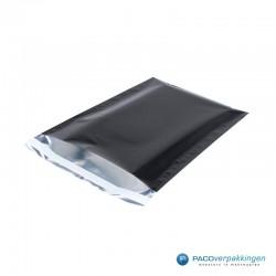 Verzendzakken - A4 - Zwart Glans - Luxe - Zijaanzicht