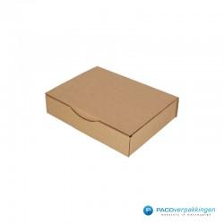Postdozen met klepsluiting - Bruin - Enkelgolf - Basic - 6668 - zijaanzicht dicht