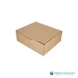 Postdozen met klepsluiting A4 - Bruin - Enkelgolf - Basic - 6670 - zijaanzicht dicht