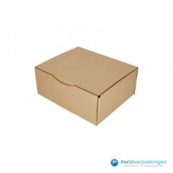 Postdozen met klepsluiting - Bruin - Enkelgolf - Basic - 6669 - zijaanzicht dicht