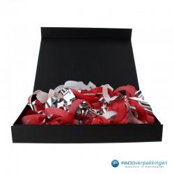 Opvulmateriaal - Swirl van zijdepapier - Rood, wit en zilver - Toepassing