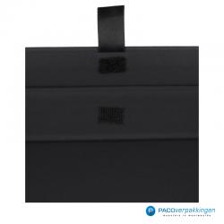 Magneetdoos A4 - Zwart Mat - Premium - Close up