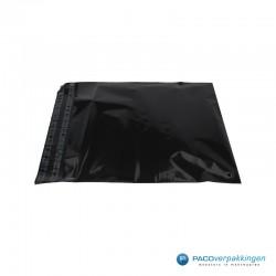 Verzendzakken - Zwart - 30% Recycle - Retoursluiting - Premium - Zijaanzicht open 1