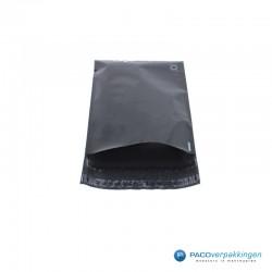 Verzendzakken - Zwart - A4+ - 30% Recycle - Retoursluiting - Premium - Vooraanzicht