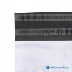 Verzendzakken - Wit/grijs - A4+ - 70% Recycle - Retoursluiting - Plakstrip