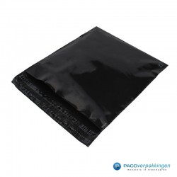 Verzendzakken - Zwart - 30% Recycle - Retoursluiting - Premium - Zijaanzicht