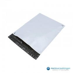 Verzendzakken - Wit/grijs - A3 - 70% Recycle - Retoursluiting - Zijaanzicht