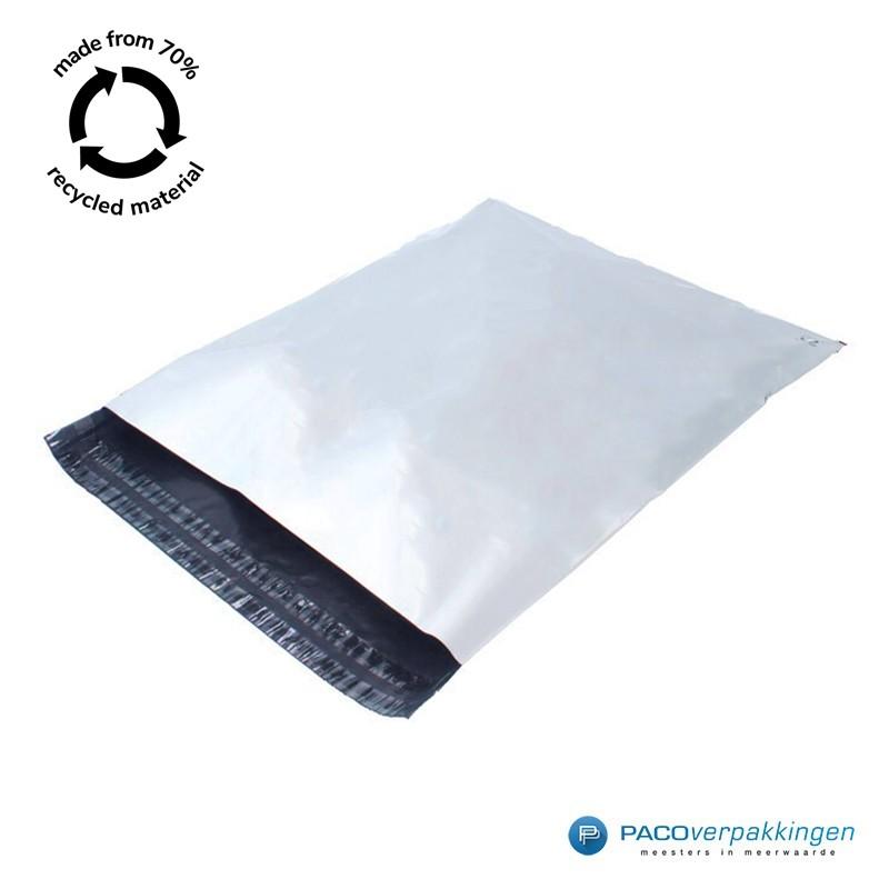 Verzendzakken - Wit/grijs - 70% Recycle - Retoursluiting - Zijaanzicht logo